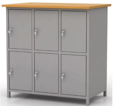 Шкаф для одежды и отдельные ящики для хранения ценных вещей