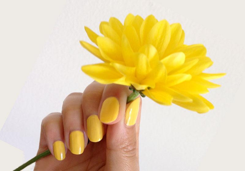 Как сделать желтый маникюр