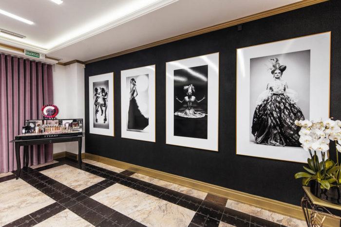 Зона продажи продукции в салоне Lady Gadiva